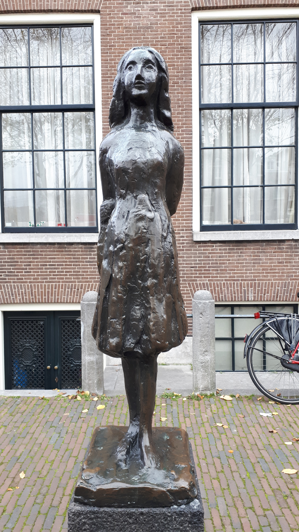 A statue of Anne Frank